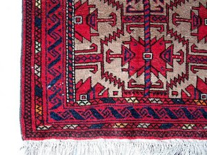 Baluchi prayer rug, corner detail